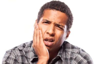 дырка в зубе до десны