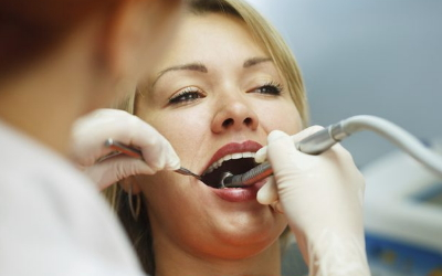 после холодного болят зубы