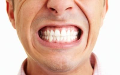 привычка стучать зубами