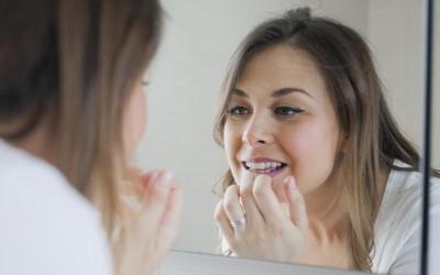 зуб шатается но не болит
