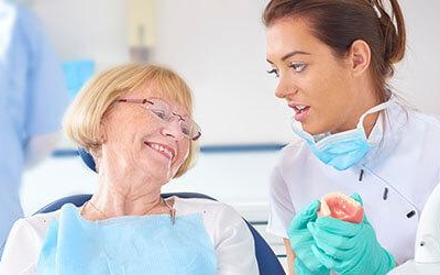 зубной протез плохо держитсязубной протез плохо держится