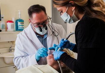 Как осуществляется фторирование зубов после чистки?
